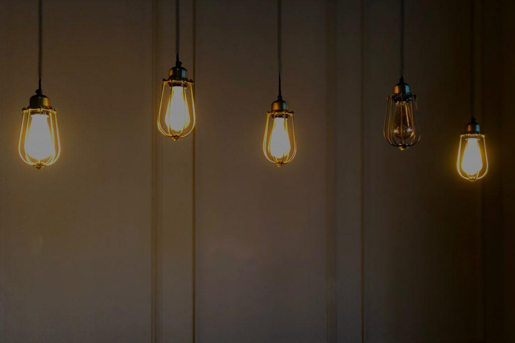 5 luzes suspensas